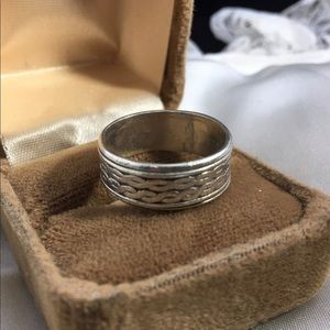 Vintage Sterling Silver Band size 8.5